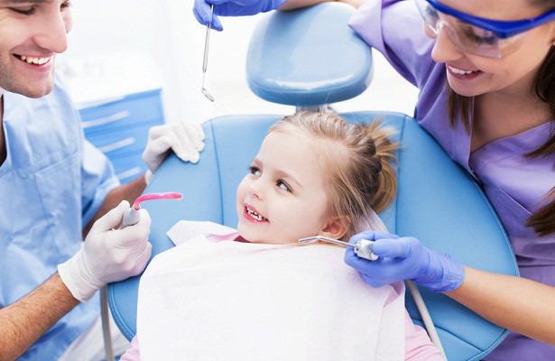 Детский зубной врач