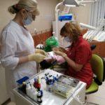 Реставрация зубов винирами