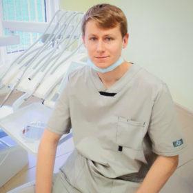 Врач стоматолог Стельмах